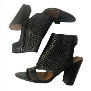 Dulce Vita Faux Leather SZ9 pep toe black booties